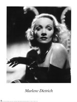 Marlene Dietrich - Black and white Framed Print