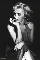 Marilyn Monroe (Sitting) Wall Poster