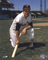 Brooks Robinson - Posed kneeling with bat Fine Art Print