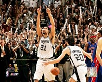 Tim Duncan 2005 -  NBA Championship Celebration (#4) Fine Art Print