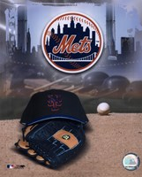 New York Mets - '05 Logo / Cap and Glove Fine Art Print
