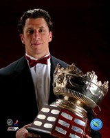 Rod Brind'Amour with the 2006 Selke Trophy Fine Art Print