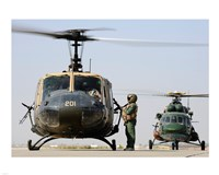 Iraqi air force carries wounded warrior on aeromedical evacuation mission Framed Print