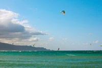 Tourists kiteboarding in the ocean, Maui, Hawaii, USA Fine Art Print