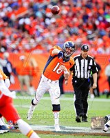 Peyton Manning 2014 Passing the ball Fine Art Print