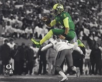 Marcus Mariota University of Oregon 2014 Spotlight Action Framed Print