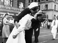 Kissing the War Goodbye in Times Square, 1945 (detail) Fine Art Print