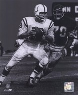 Johnny Unitas - Passing Action (B&W)