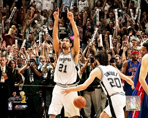 Tim Duncan 2005 Nba Championship Celebration 4 Fine