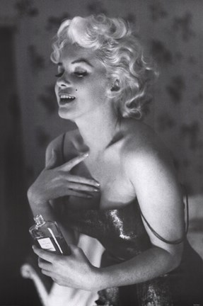 Framed Marilyn Monroe - Chanel No. 5 Print