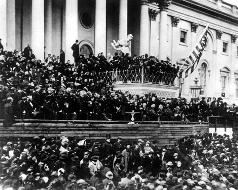 President Abraham Lincoln Gives His Inaugural Speech