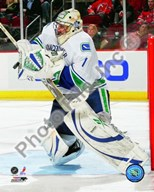 Roberto Luongo 2009-10 Action