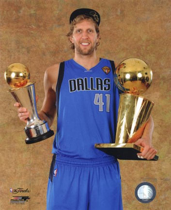 Nedēļas bilde #1 Dirk-nowitzki-with-the-2011-nba-championship-mvp-trophies-game-6-of-the-2011-nba-finals