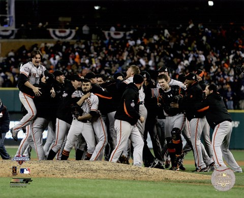 Framed San Francisco Giants Celebrate Winning Game 4 of the 2012 World Series Print
