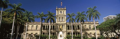 Framed Facade of a government building, Aliiolani Hale, Honolulu, Oahu, Honolulu County, Hawaii, USA Print