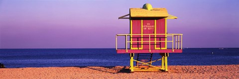 Framed Lifeguard Hut, Miami Beach, Florida, USA Print