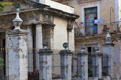 Framed Architecture in Havana, Cuba Print