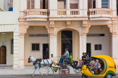 Framed Horse cart, historic center, Havana, UNESCO World Heritage site, Cuba Print