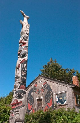 Framed Haida Totem Pole and Tourist Shop, Queen Charlotte Islands, Canada Print