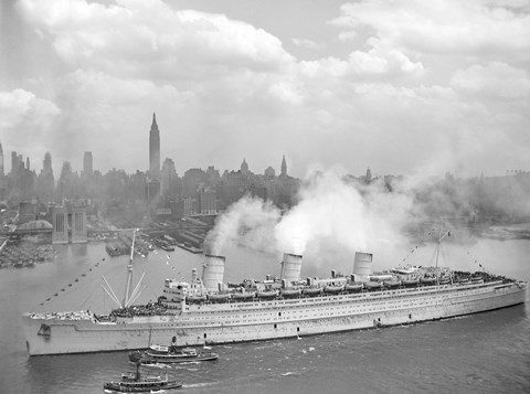 Framed RMS Queen Mary in New York Harbor Print