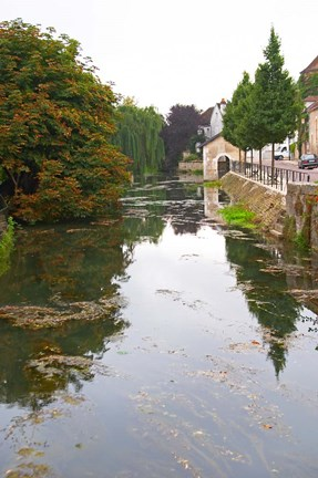 Framed River Serein Flowing Through Chablis in Bourgogne, France Print