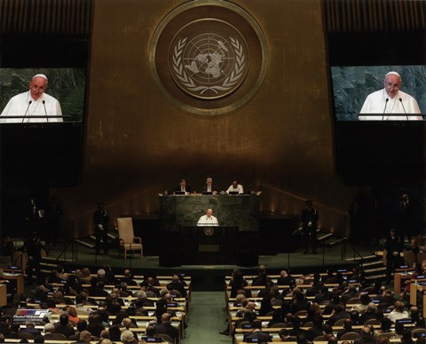 Framed Pope Francis addresses the 70th session of the United Nations General Assembly Print