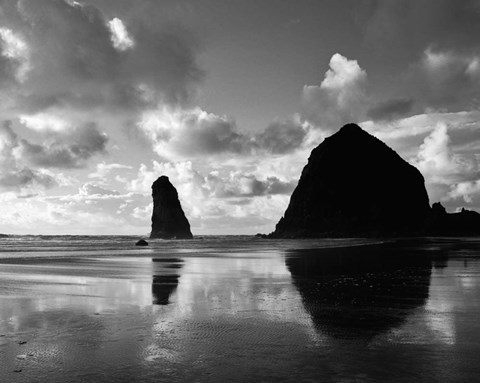 Framed Canon Beach Reflections Print