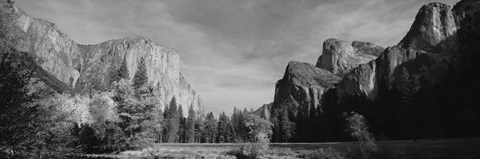 Framed Mountains in Yosemite National Park, California Print