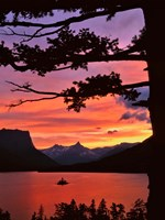 St Mary Lake And Wild Goose Island At Sunset Fine Art Print