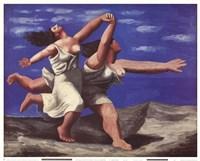 Deux Femmes Courant sur la Plage Fine Art Print