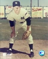 Mickey Mantle - #12 Hands on Knees (young) Fine Art Print