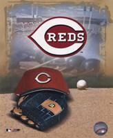 Cincinnati Reds - '05 Logo / Cap and Glove Fine Art Print
