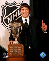 Alexander Ovechkin with the 2006 Calder Trophy Fine Art Print