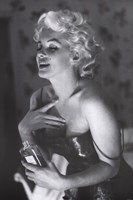 Marilyn Monroe - Chanel No. 5 Framed Print