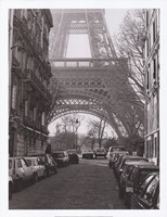 Street View of La Tour Eiffel Fine Art Print