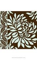 Medium Striking Chrysanthemums II Framed Print