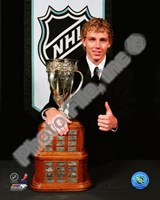 Patrick Kane with the 2008 Calder Memorial Trophy Fine Art Print