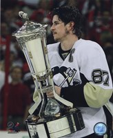Sidney Crosby With the 2008-09 Prince of Wales Trophy Fine Art Print