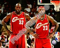LeBron James & Shaquille O'Neal 2009-10 Group Shot Fine Art Print
