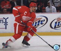 Nicklas Lidstrom 2010-11 Action Fine Art Print