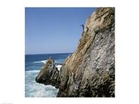 Mexico, Acapulco, La Quebrada, Cliff divers on cliff - various sizes