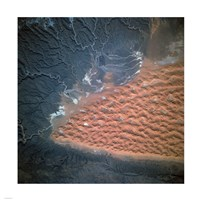 Spectacular view of dune fields in Algeria photographed from orbit - various sizes