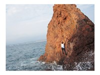 Deep Water Solo on a small rock at Point de l'Aiguille - various sizes