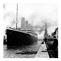 Titanic at the docks of Southampton Framed Print