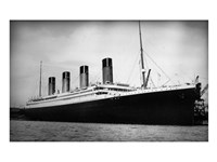 Titanic - B&W photo Framed Print
