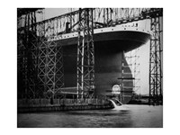 Titanic Constructed at the Harland and Wolff Shipyard in Belfast Photo Framed Print