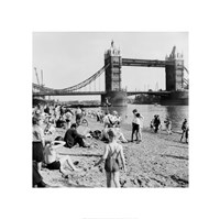 Londoners Relax on Tower Beach, 1952 Fine Art Print