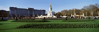 """Queen Victoria Memorial at Buckingham Palace, London, England by Panoramic Images - 28"""" x 9"""""""