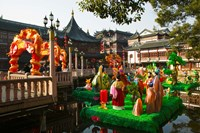 Garden decorations by Mid-Lake Pavilion Teahouse, Yu Yuan Gardens, Shanghai, China Fine Art Print