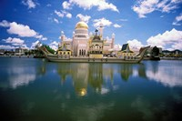 Brunei, Sultan Omar Ali Saifuddin Mosque Fine Art Print